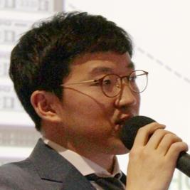 발표자 사진