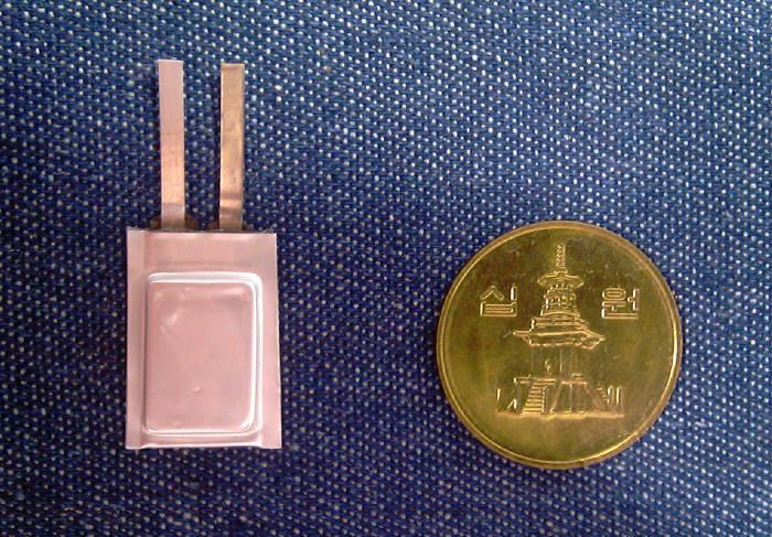 루트제이드가 개발한 동전크기의 전지