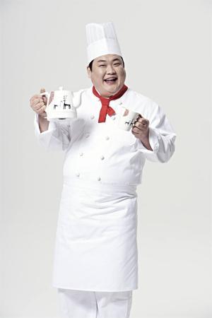 신일산업(대표 송권영)이 아트 콜라보레이션 세라믹 무선포트를 출시했다.