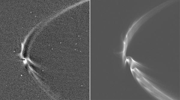 토성의 E링(긴 호)이 어떻게 자신의 주위를 도는 달(엔셀라두스)을 삼키는지를 보여주는 놀라운 사진. 카시니가 촬영한 사진(왼쪽)은 토성의 얼음으로 구성된 달 엔셀라두스(의 간헐천에서 나온 얼음입자)가 천천히 토성의 최대 고리 E링에 잡아먹히는 모습을 보여준다. 오른쪽은 컴퓨터시뮬레이션을 통해 각 간헐천에서 나온 얼음입자 궤적을 따라가 본 결과다. 사진=나사,JPL,칼테크