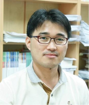 박현웅 교수