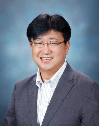 [대한민국 과학자]`반도체 기술 한계 극복할 새로운 길 개척`...이병훈 GIST 신소재공학부 교수