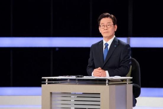 사진=이재명 경기지사 후보가 KBS초청토론에서 여배우스캔들 등 집중 공세를 받았다.