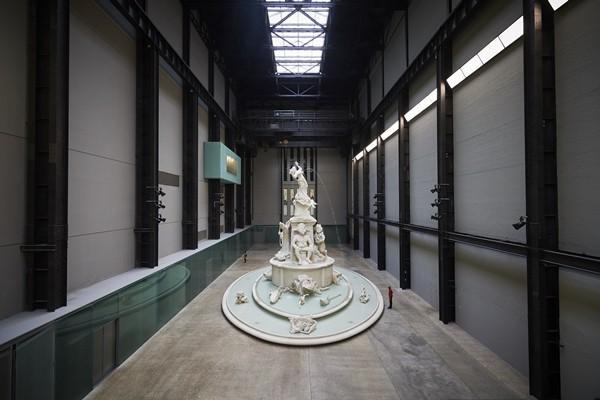 '현대 커미션: 카라 워커: Fons Americanus'展 개막...영국 터바인 홀에 전시