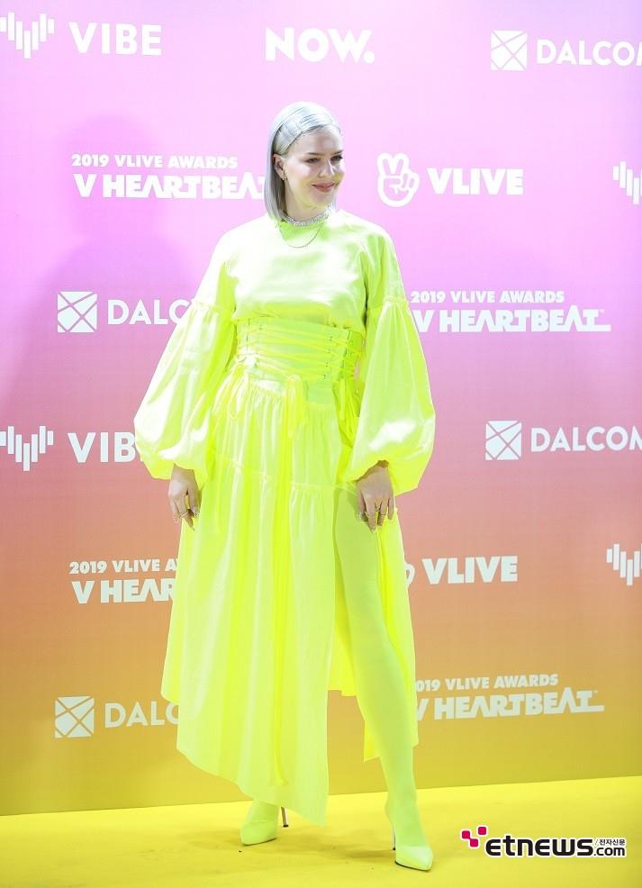 ▲사진 = 16일 고척스카이돔에서 열린 2019 제 1회 브이라이브 어워즈 'V 하트비트'에 참석한 영국 가수 앤 마리.