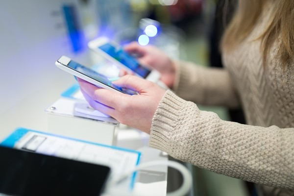 [고어 소비자 조사]<3>스마트폰 구매에 강력한 영향을 끼치는 방수 기능