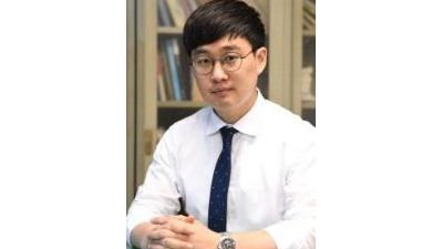 [기자수첩]송현동 부지 논란, '강대강'으로는 답 없다