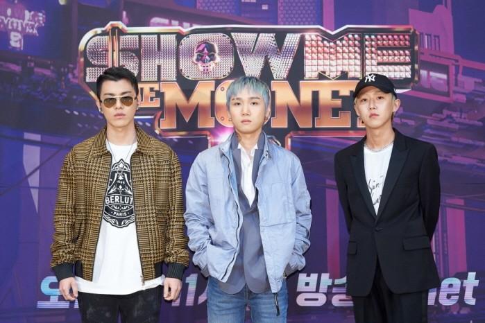 그루비룸(규정, 휘민)과 저스티스(가운데) 등 Mnet 쇼미더머니9 프로듀서로 나서는 아티스트들이 포즈를 취하고 있다.(사진=Mnet 제공)