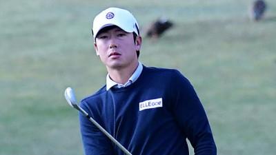 (2R)칩샷하는 김태훈