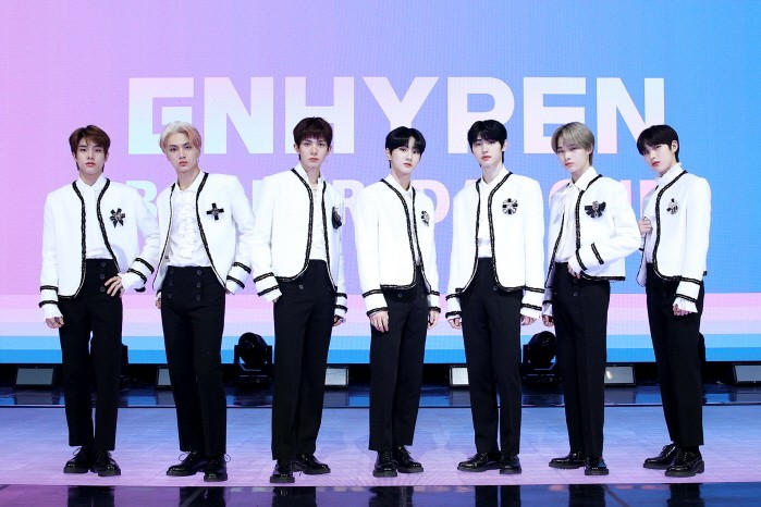 Mnet 'I-LAND(아이랜드)'를 통해 결성된 글로벌 화제그룹 엔하이픈이 데뷔앨범 'BORDER : DAY ONE'으로 첫 모습을 드러낸다.(사진=빌리프랩 제공)