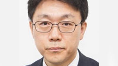 문 대통령, 초대 공수처장에 판사 출신 김진욱 지명