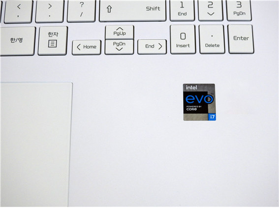 인텔이 인정하는 차세대 노트북만이 받을 수 있는 EVO 인증