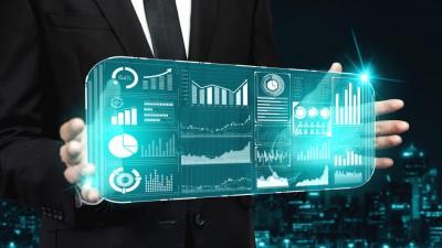 은행 '초대형 데이터뱅크'로 '마이데이터 패권' 노린다