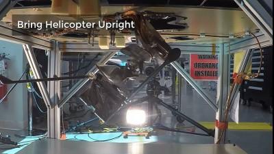 본체를 수평에서 수직으로 전환하는 인제뉴어티. 사진=NASA/JPL-Caltech