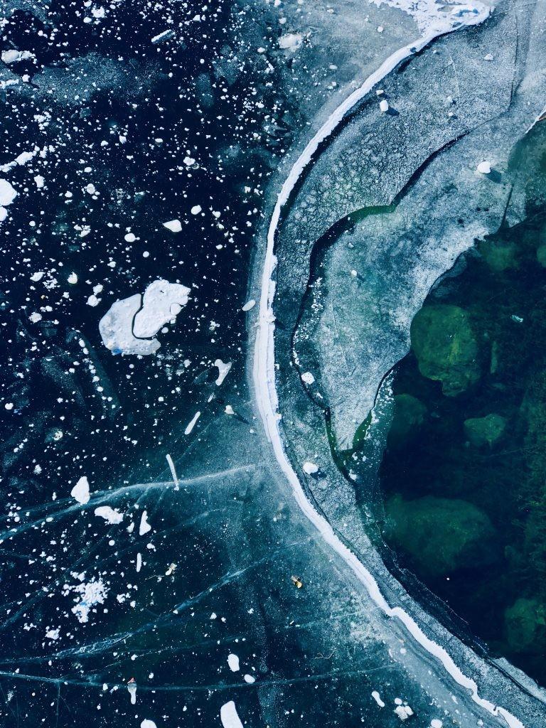 올해의 추상 사진(3등상) – 동결선, iPhone 8 Plus © Matteo Lava - IPPAWARDS
