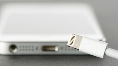 """EU """"충전기 규격 단일화""""...애플, 아이폰 어쩌나"""