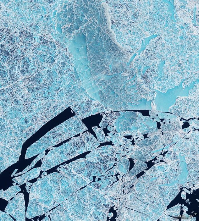 Icy Art in the Sannikov Strait. 사진=NASA Earth Observatory