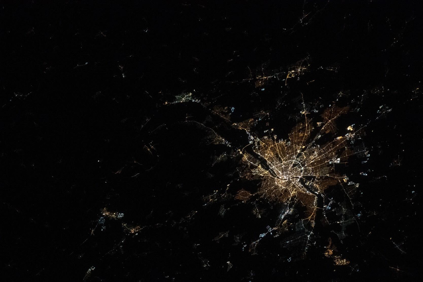 사진 = Imagen del Observatorio de la Tierra de la NASA por la tripulación de la Expedición 62