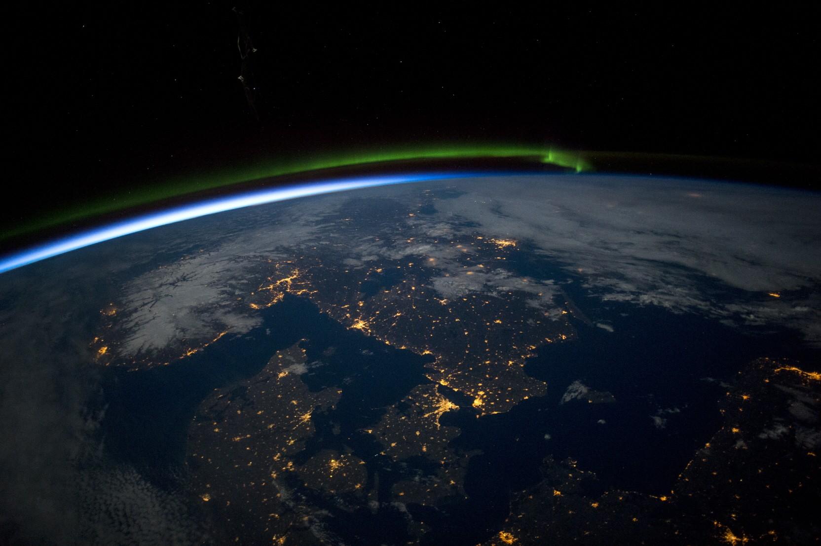 사진 = Imagen del Observatorio de la Tierra de la NASA por la tripulación de la Expedición 43