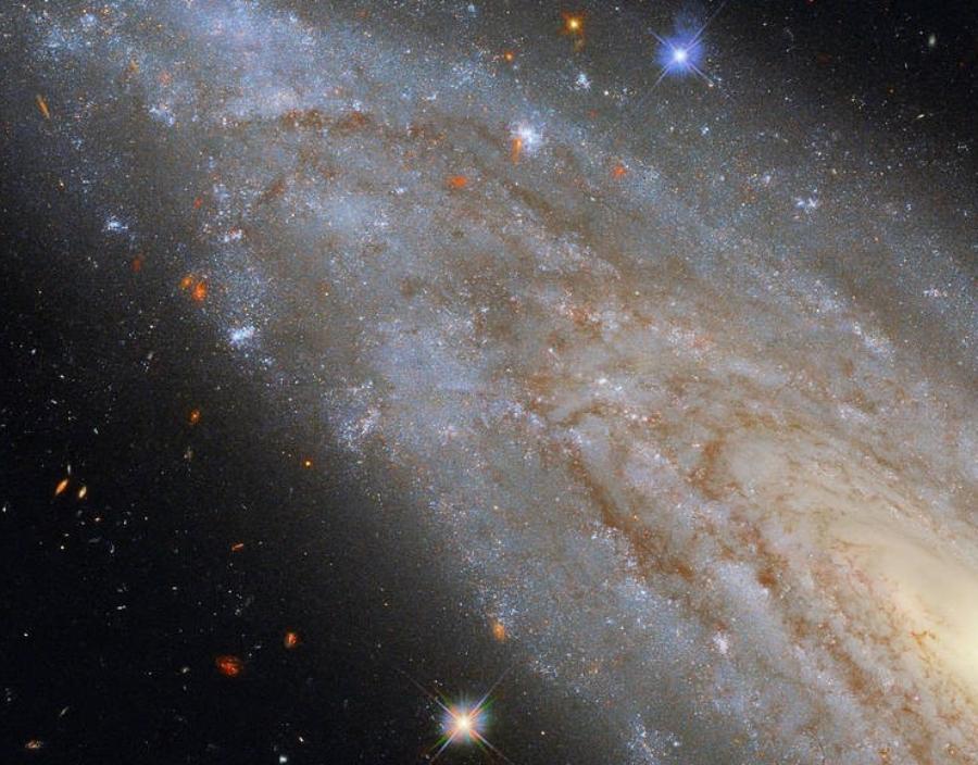 나선 은하 NGC 3254. 사진=ESA/Hubble & NASA, A. Riess et al