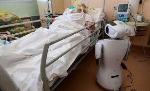 中로봇기업의 코로나19 환자 돌봄 로봇