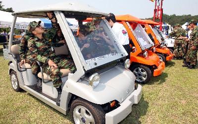 軍에서도 전기차가 달린다