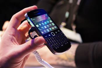 지난 5월 미국 올랜도에서 열린 `블랙베리월드 2011` 행사에서 공개된 림의 스마트폰 블랙베리 볼드 9900.