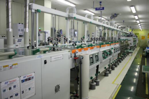 세일전자가 보유한 첨단 PCB 장비. 스마트폰과 자동차 시장 확대로 이 회사의 매출은 지난해 1000억 원을 돌파했다.