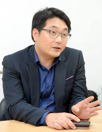 [미래를 만드는 사람들]강학주 이투커뮤니케이션즈 대표