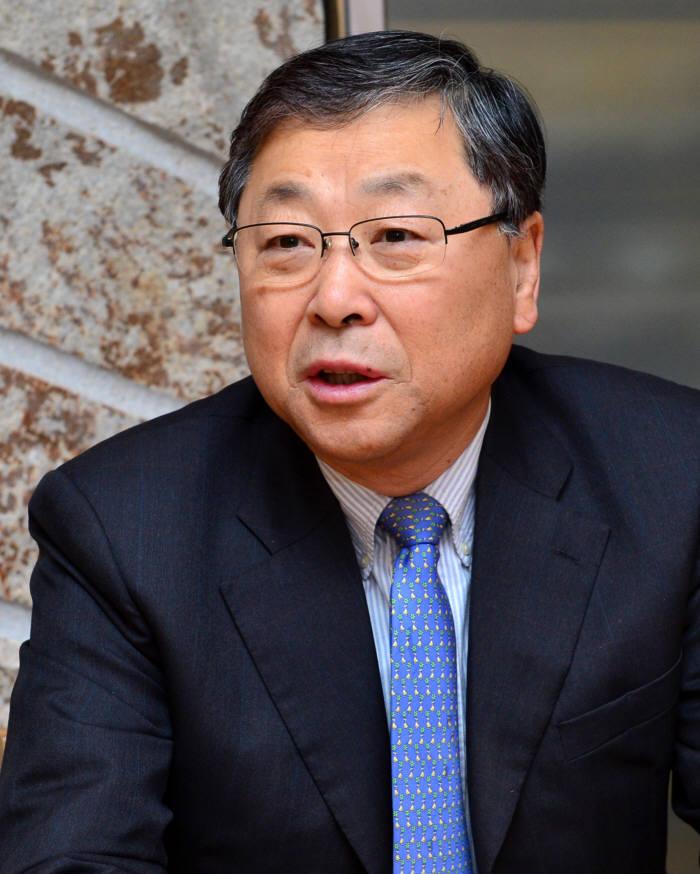 [2014 화제의 인물]김진형 소프트웨어정책연구소 소장