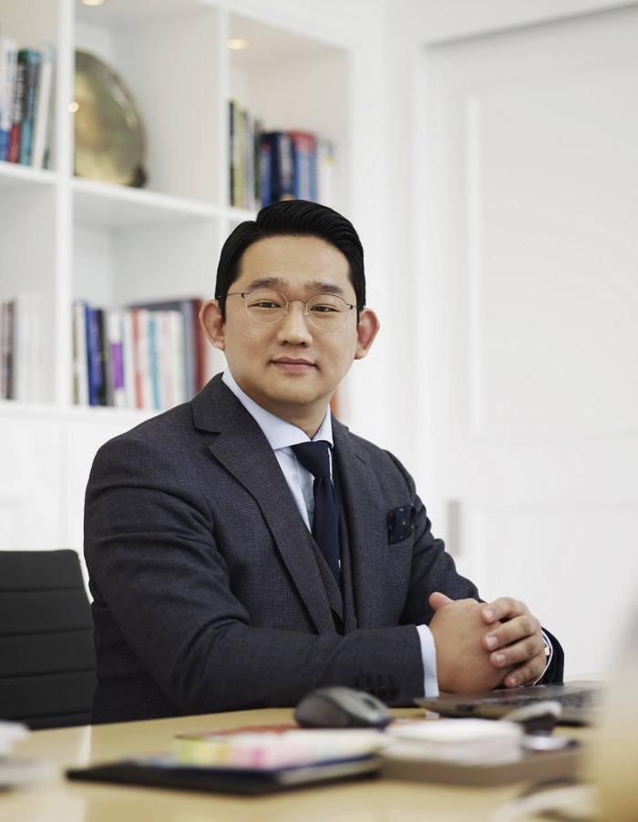 김충범 오백볼트 대표
