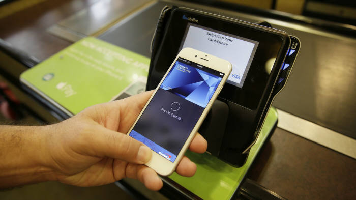애플·구글·은련 NFC vs 삼성페이 마그네틱 `격돌`