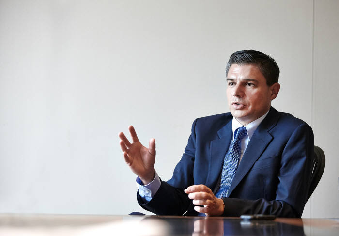 로렌조 시모넬리 GE 오일앤가스 CEO.
