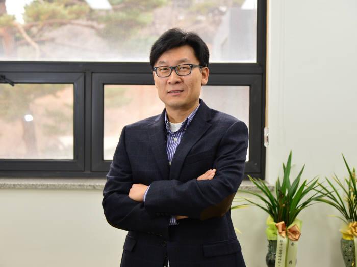 [과학산책]한국경제를 이끈 반도체의 위기