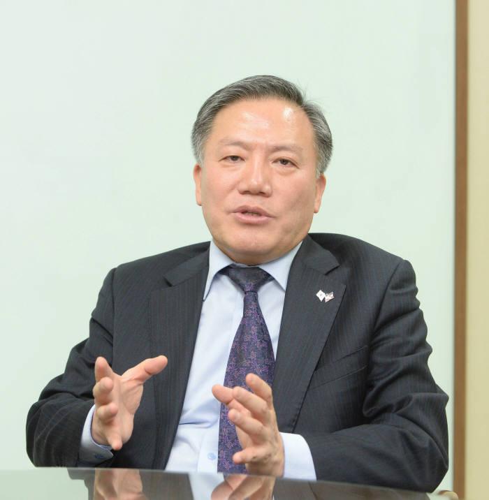 [人사이트]심동섭 한국전자무역상거래진흥원 초대 이사장