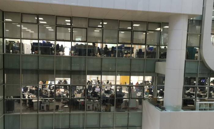 에스티앤컴퍼니는 직원 수가 늘어나면서 오토웨이타워 3개층을 쓰고 있다.