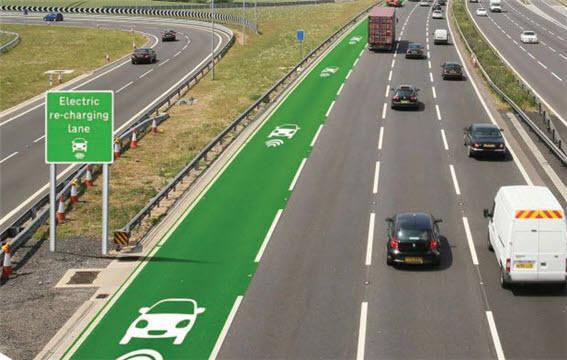 주행 중에 전기 충전이 가능한 고속도로(자료:www.smarthighway.net)