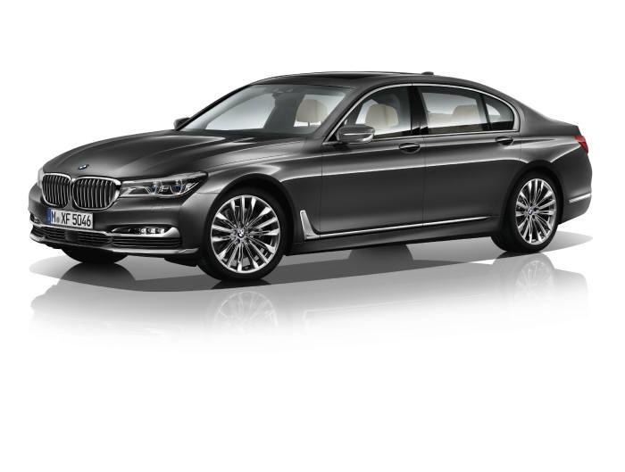 `드라이빙 어시스턴스` 기능이 적용된 BMW 플래그십 세단 `750Li` (제공=BMW코리아)