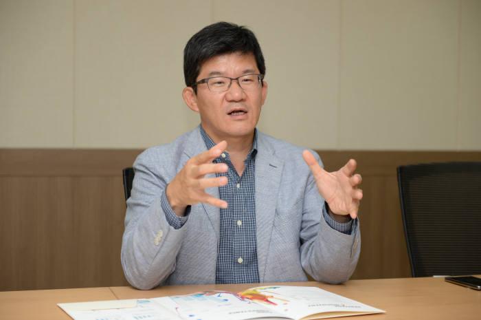네오엠텔 김윤수 대표, 퓨젠바이오로 벤처 성공신화 도전