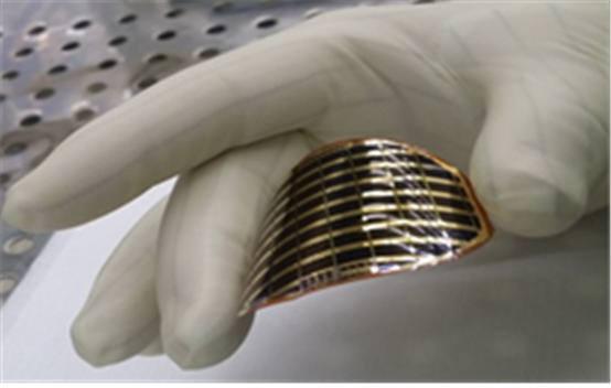 아주대학교 연구진은 유기금속화학증착장비(MOCVD) 기술을 이용한 갈륨비소(GaAs) 기반 초경량 고효율 태양전지를 제작하는데 성공했다.