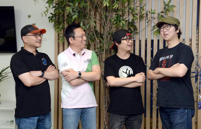 이기택, 김승주 교수, 심준보, 이승진(왼쪽부터).