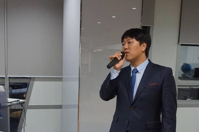 정민수 래몬 대표가 이달 초 판교 스타트업캠퍼스에서 열린 IR데이에서 투자자들을 상대로 발표했다.