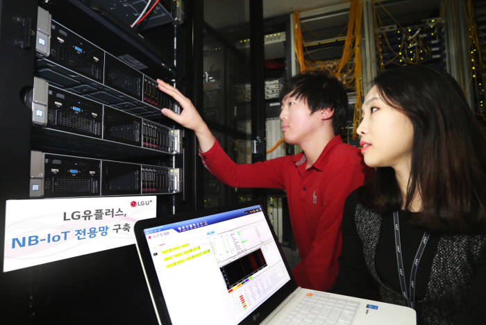 LG유플러스가 이루온과 NFV기반 NB-IoT 전용 코어망 장비 C-SGN을 개발 완료하고 본격 구축에 돌입했다.