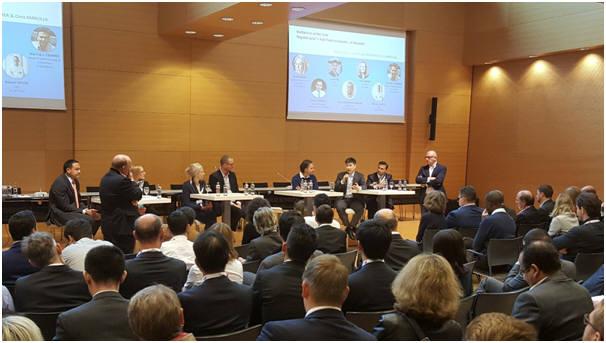 이정원 ICTK 부대표(연단 오른쪽 세 번째)가 최근 룩셈부르크에서 열린 인터넷데이 콘퍼런스에서 유럽 IoT 규제의 필요성과 방법론을 주장했다.