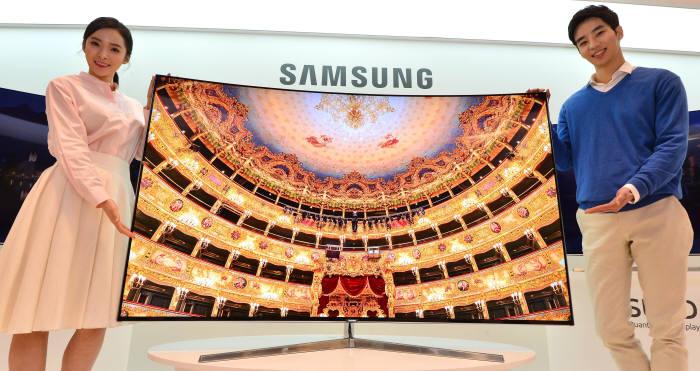 삼성전자가 올해 선보인 2세대 퀀텀닷 TV. 내년에는 컬러 볼륨을 향상한 3세대 퀀텀닷 TV를 선보일 예정이다.