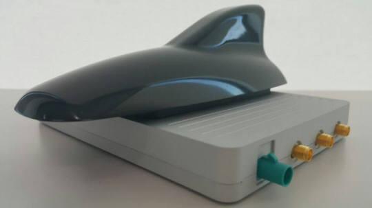 켐트로닉스 V2X 스마트 안테나 외형. 일반 샤크 안테나와 비슷한 모양이다.