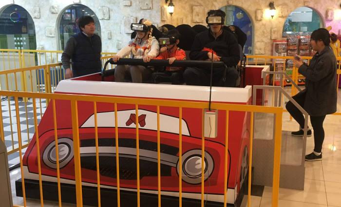 자몽은 대구 노보텔 지하1층 EBS 키즈빌에 번개맨VR 어트렉션을 설치하고 시범운영에 들어갔다.