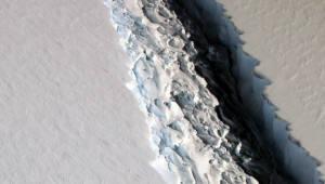 남극서 `경기도 절반` 거대 얼음 덩어리 붕괴 임박