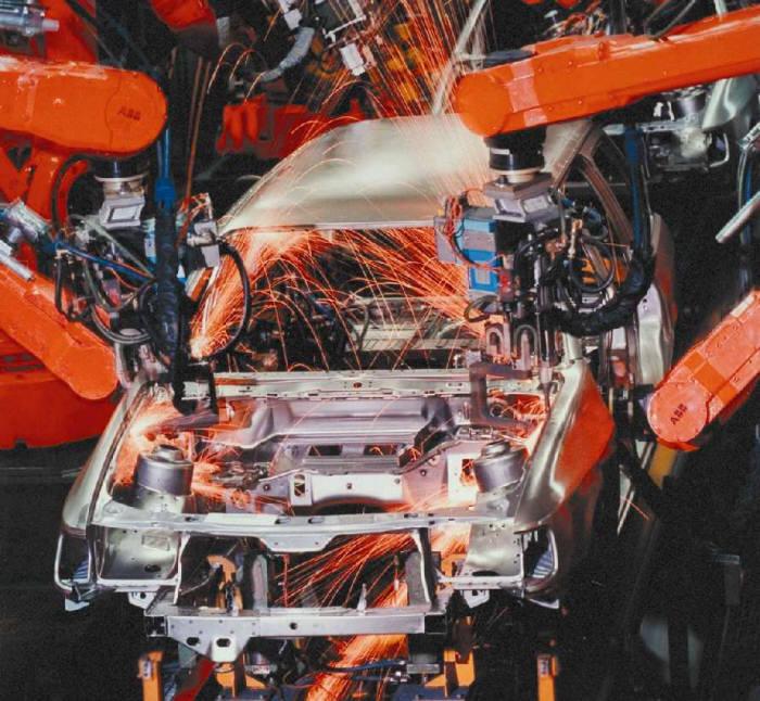 산업용 로봇은 신규 노동인구의 유입이 적은 제조업 분야에서 주목받고 있다. (사진=전자신문DB)