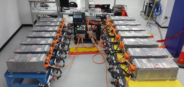 코캄이 국내 업계 최초로 출시한 전기차 전용 배터리팩 'XPAND'.